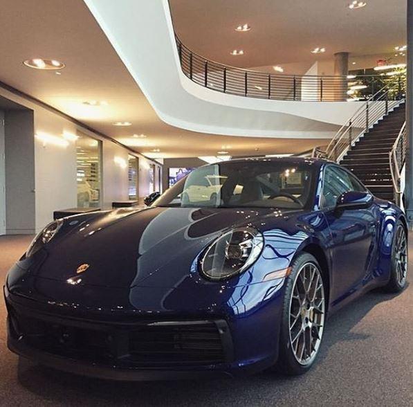 Gentian Blue 2020 Porsche 911 Shows The Understated Look Autoevolution