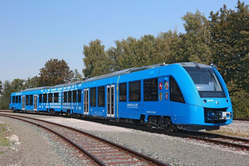 Alstom unveils hydrogen-powered train