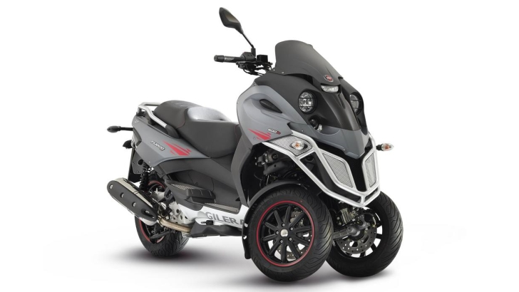 Gilera Fuoco 500ie LT Is a Very Aggressive 3-Wheeler