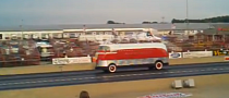 GM Futurliner #10 'Walks' Quarter Mile in Streamlined Style [Video]