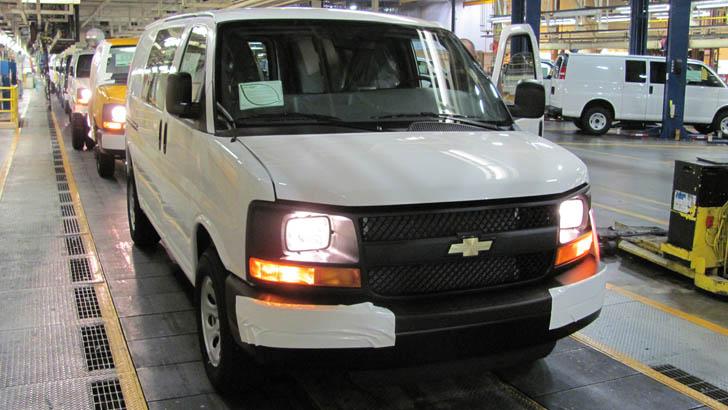 GM Officially Drops Half-Ton Chevrolet Express, GMC Savana ...
