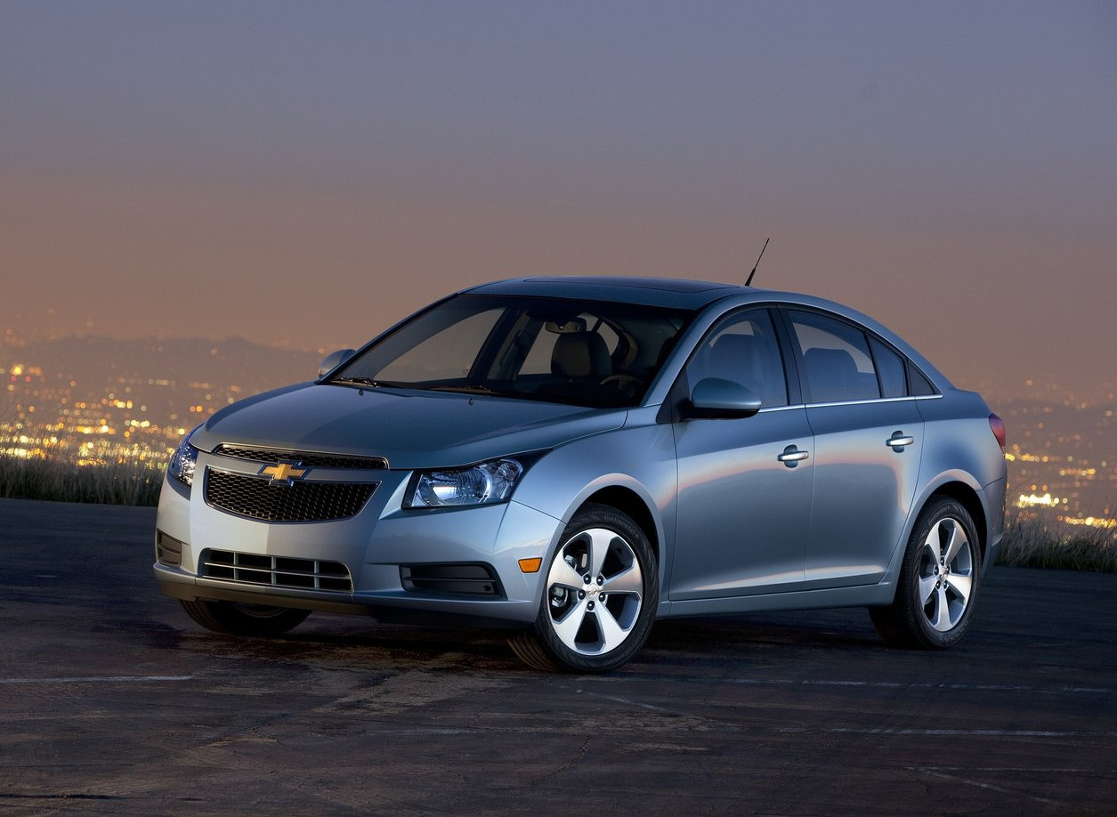 Gm Recalls Chevrolet Cruze Sedans Due To Steering Wheel