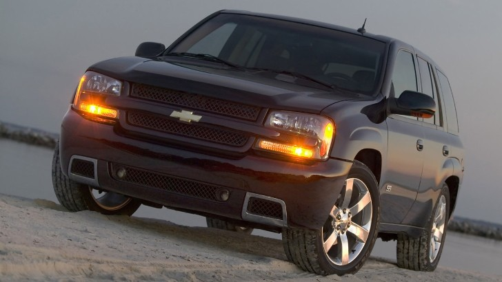 GM Recalls 250,000 SUVs Due to Fire Risk