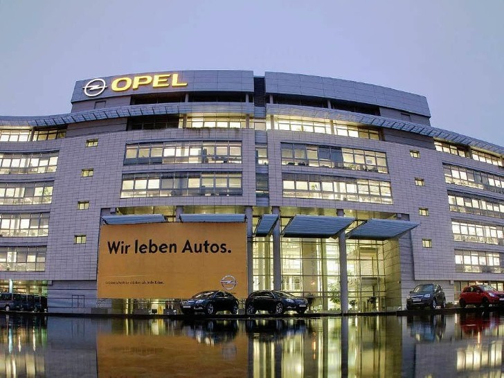 GM to Invest €4 Billion in Ailing Opel Division