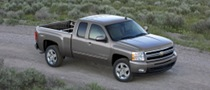 GM Upgrades 2010 Pickups, Achieves Best-in-Class Fuel Economy