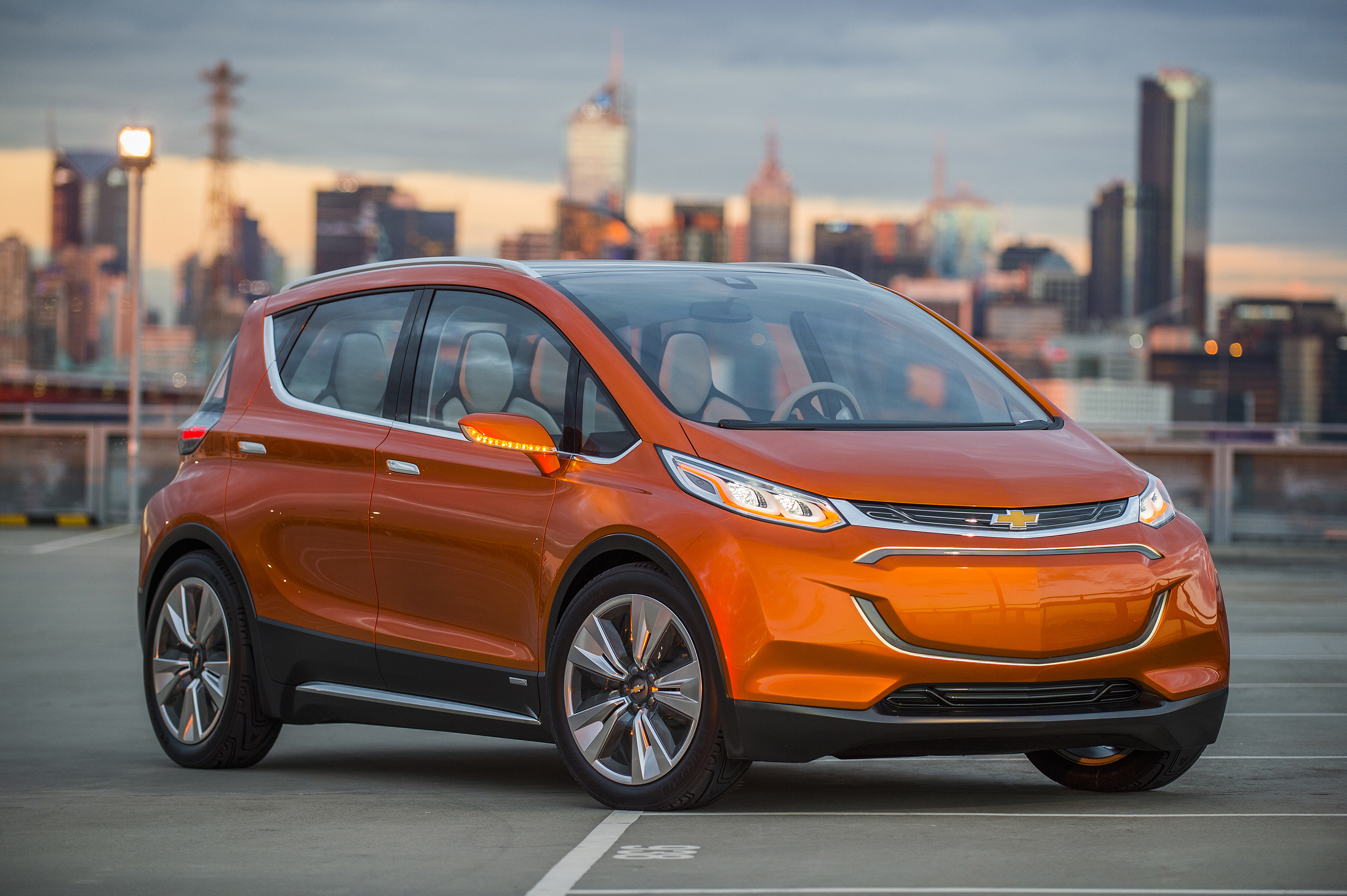 Gm Wont Sell 500000 Evs By 2017 As Promised Will Work Harder To The Electric Car Concept Chevrolet Fnr 4 Photos