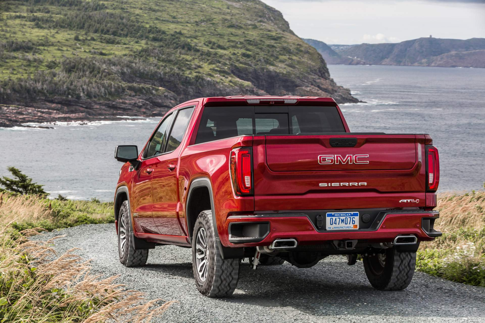 Gmc Levels Up 2019 Sierra At4 With Off Road Performance Package