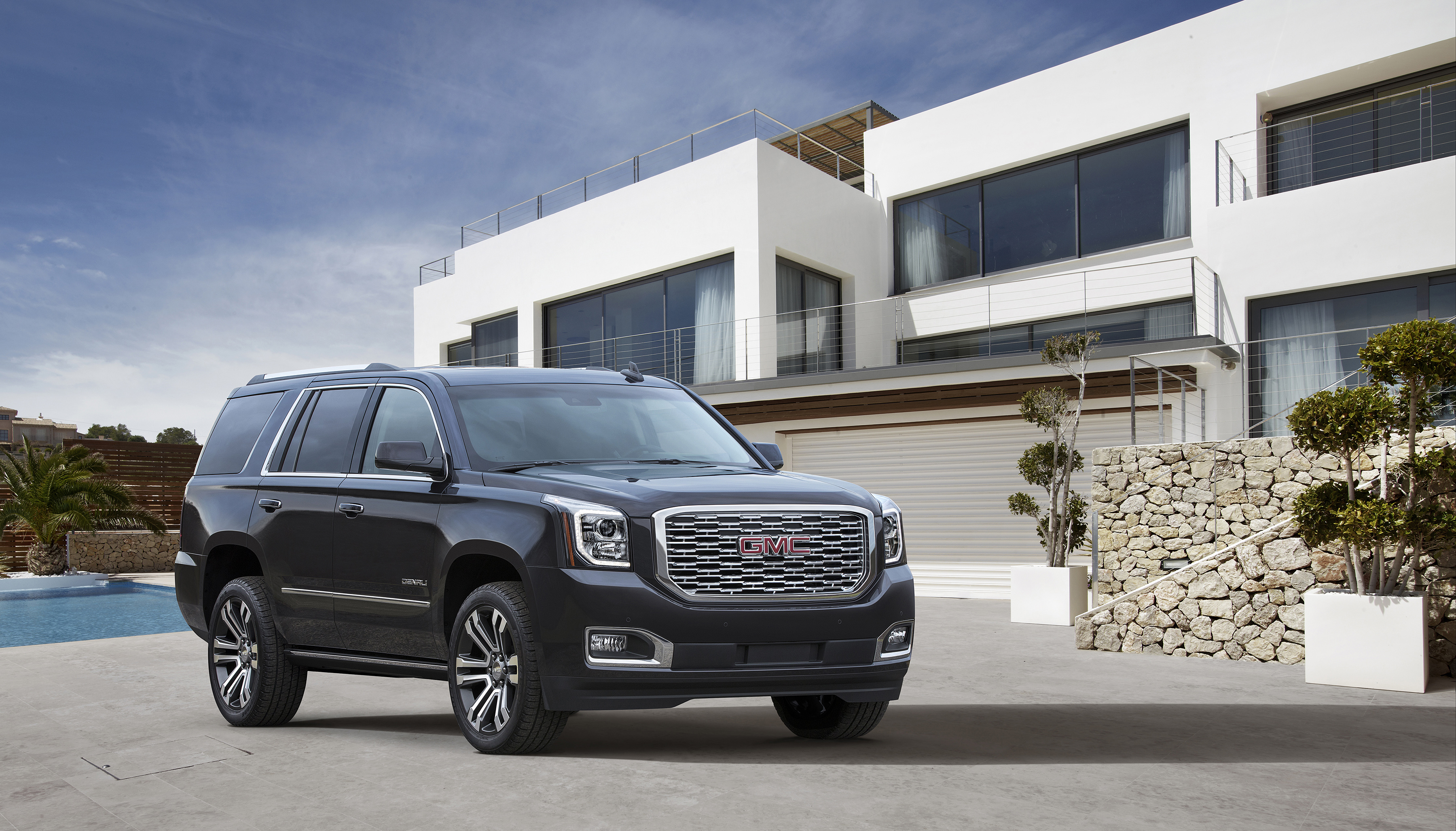 gmc updates the yukon denali for 2018 10 speed automatic transmission included autoevolution. Black Bedroom Furniture Sets. Home Design Ideas
