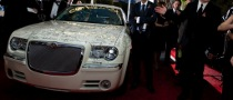 Golden Globe Awards: Chrysler 300C Signed by 300+ Celebrities