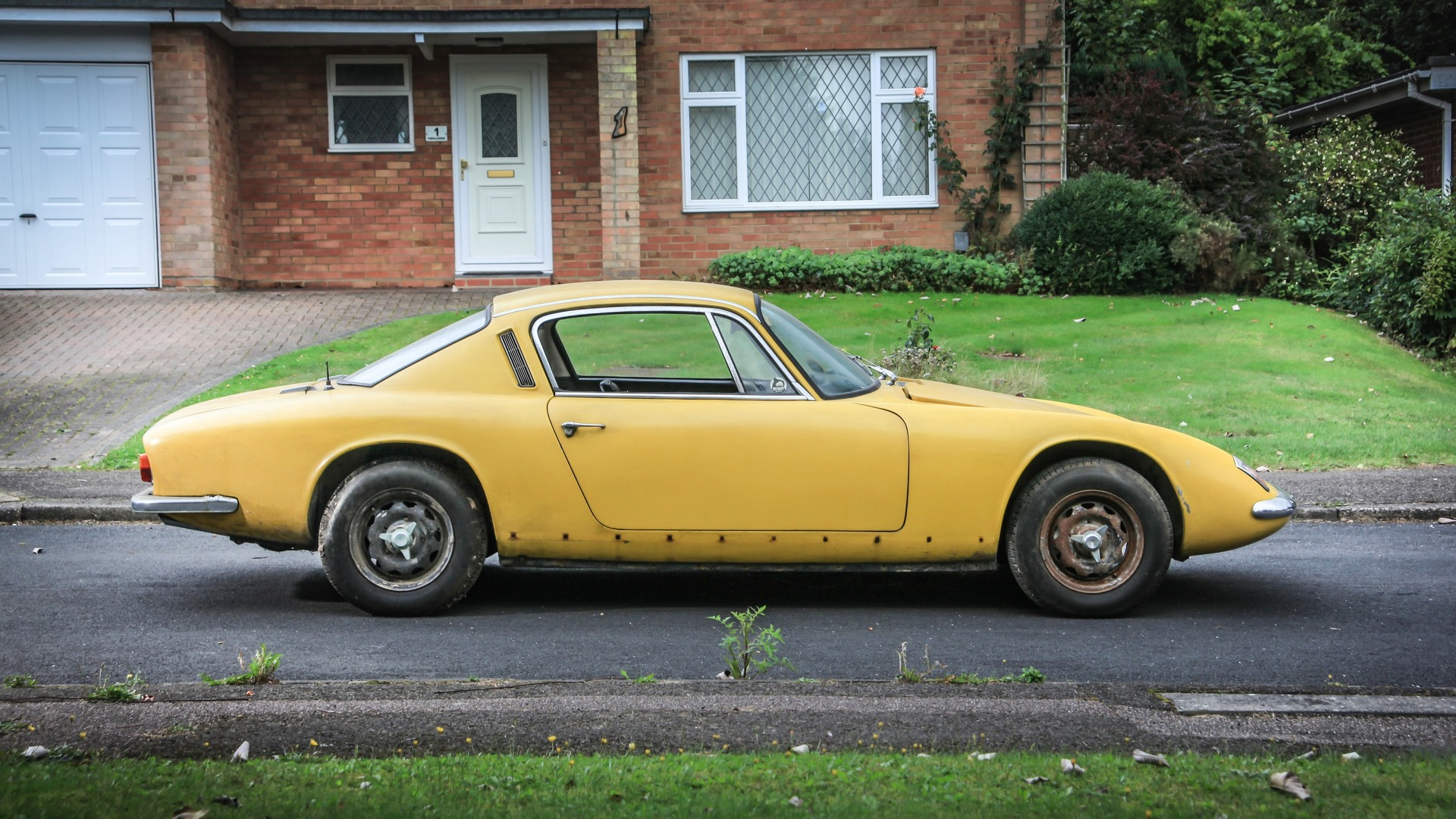 graham hill s lotus elan 2 up for auction at no reserve autoevolution. Black Bedroom Furniture Sets. Home Design Ideas