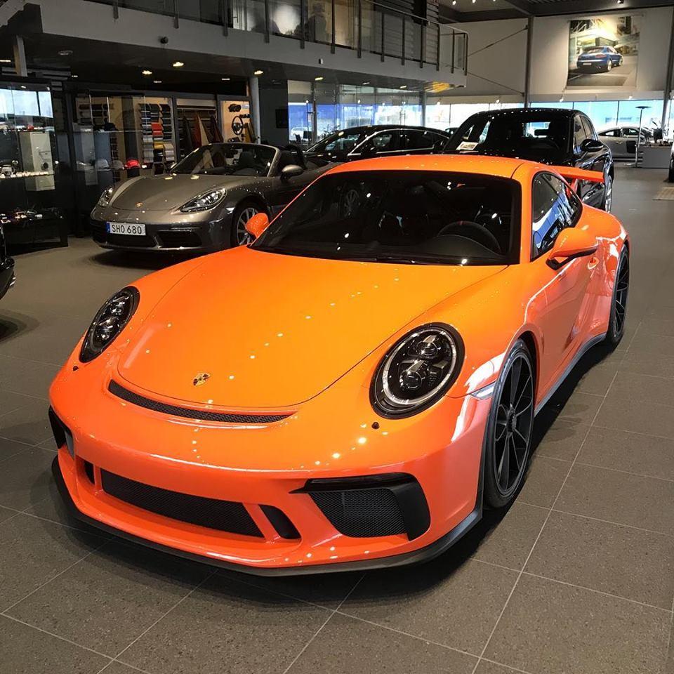 gulf orange 2018 porsche 911 gt3 shines in sweden autoevolution. Black Bedroom Furniture Sets. Home Design Ideas