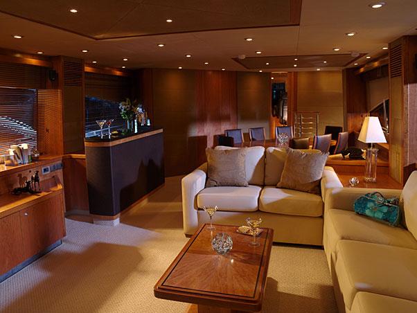 Hamilton Orders 5 6m Euro Sunseeker 90 Luxury Yacht