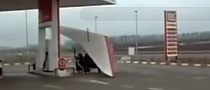 Hang Glider Fuels at Gas Station, Takes Off From Highway [Video]