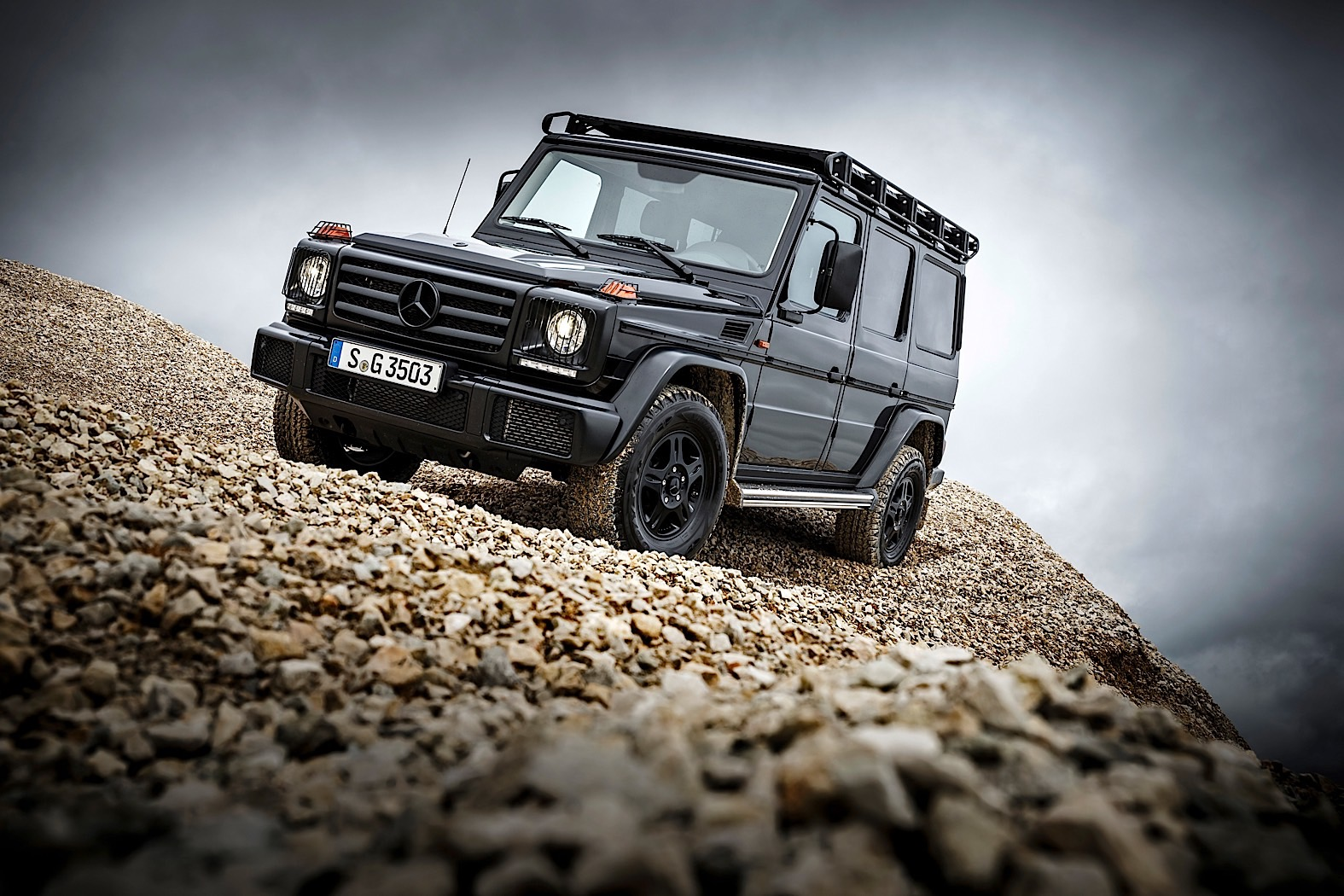 the 2017 mercedes benz g 350d professional was not made. Black Bedroom Furniture Sets. Home Design Ideas