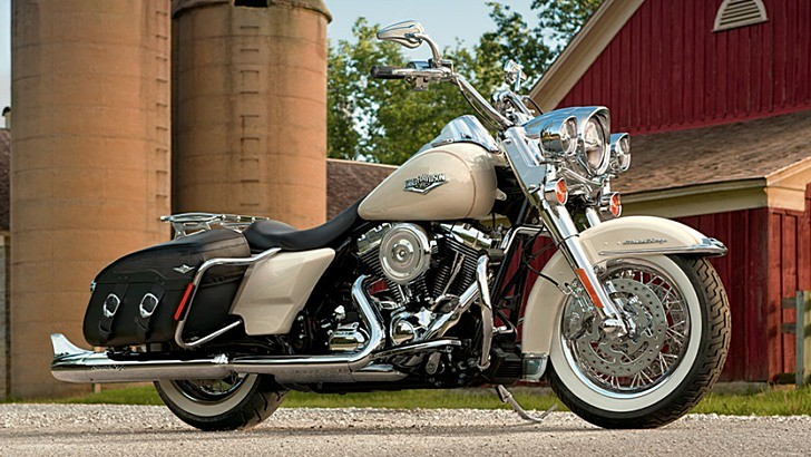 harley davidson road king classic shows 2014 upgrades. Black Bedroom Furniture Sets. Home Design Ideas