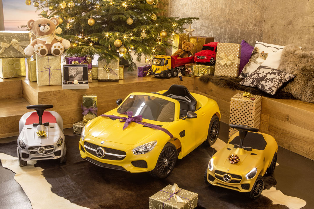 Have Yourself a Mercedes-Benz Christmas - Gift Ideas from Stuttgart ...
