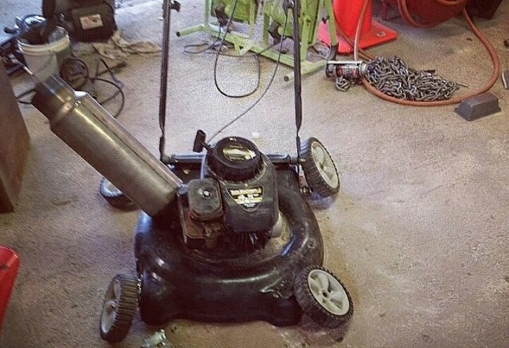 hellaflush-lawn-mower-with-huge-muffler-