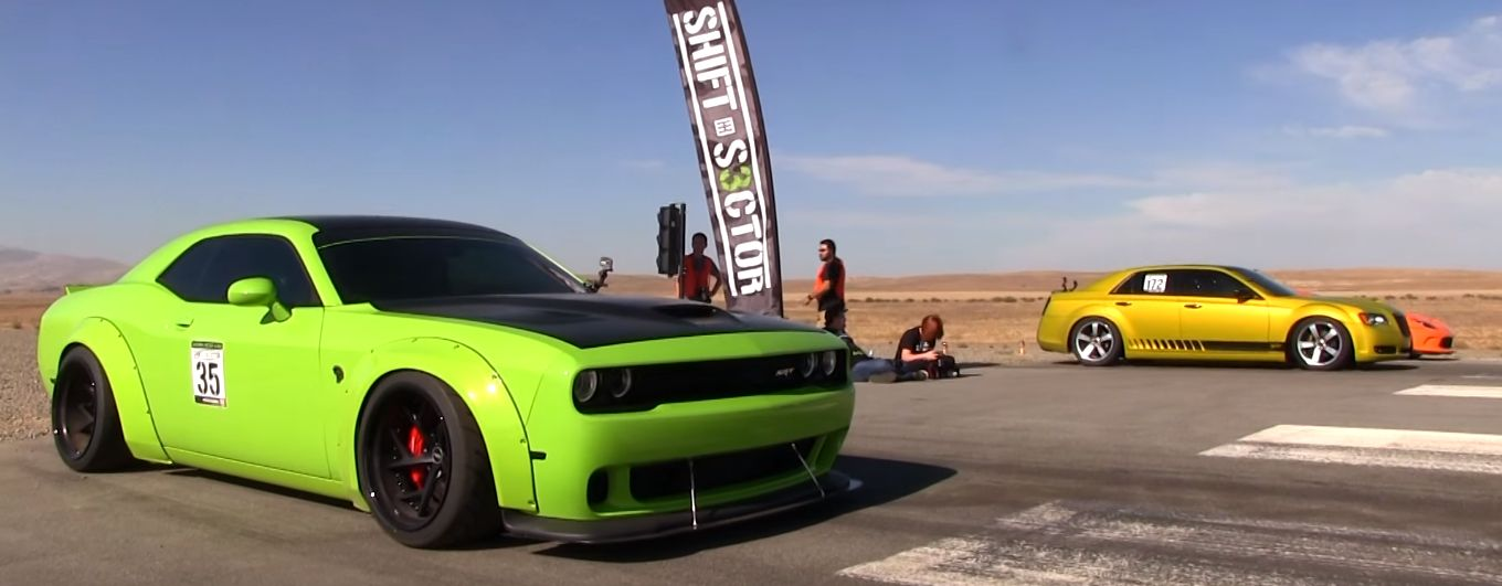 Dodge Challenger Hellcat Drag Races Supercharged 300c Don T Trust