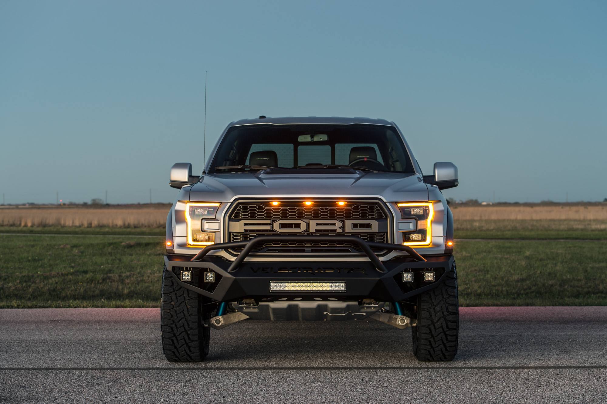 2017 Ford F150 Lifted >> Hennessey Performance Tunes The 2017 Ford F-150 Raptor To 605 HP - autoevolution