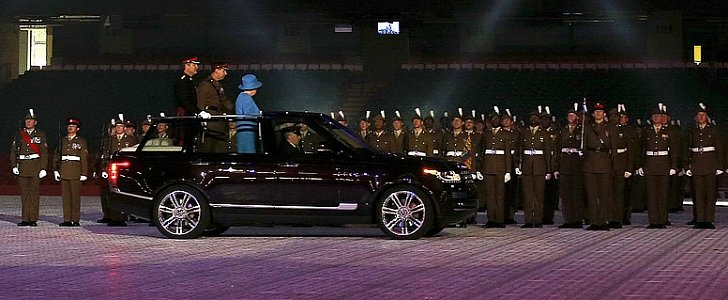 Land Rover Evoque Used >> Her Majesty The Queen Has a Hybrid Range Rover LWB ...
