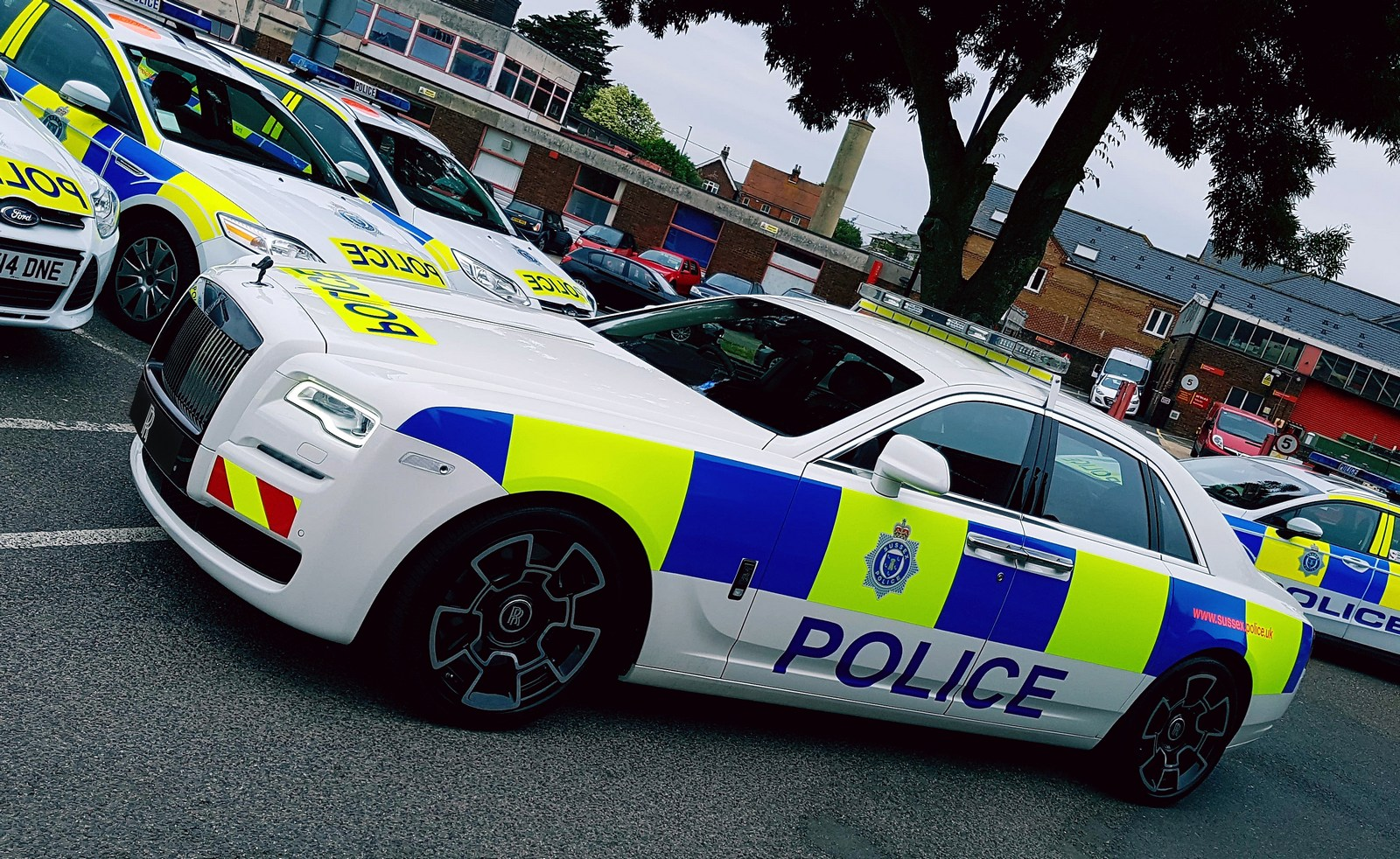 Here S A Rolls Royce Police Car Based On The Ghost Black Badge