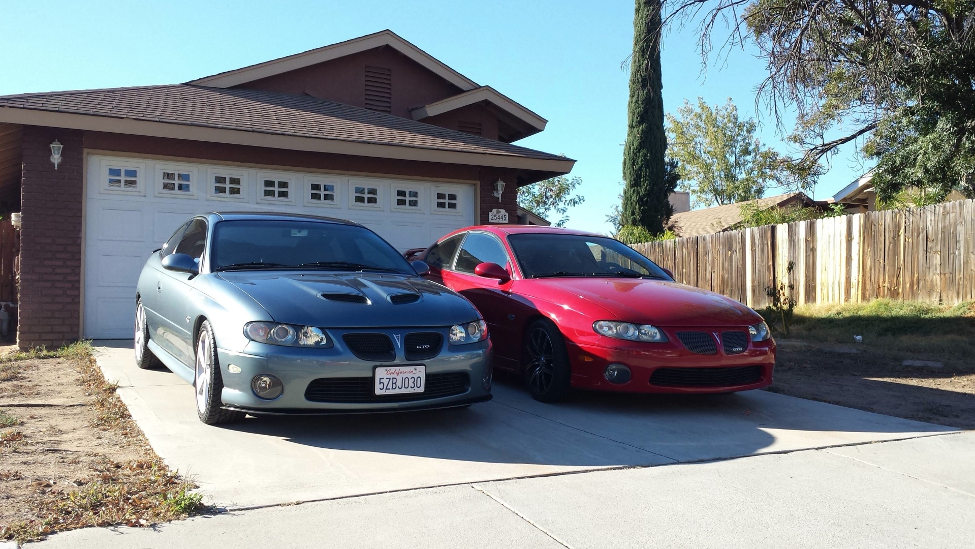 Hers And His Pontiac Gtos Californian Muscle Car Couple Autoevolution