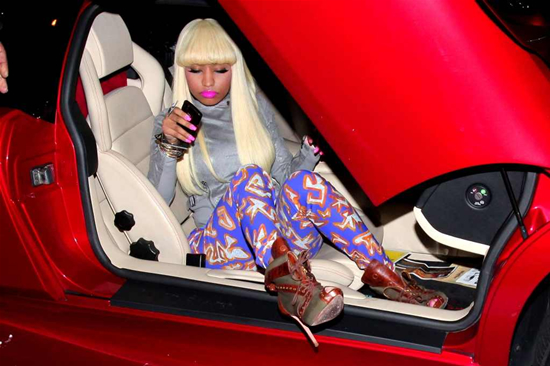 Holy Cow Nicki Minaj Steps Out Of A Bright Red Lambo Autoevolution