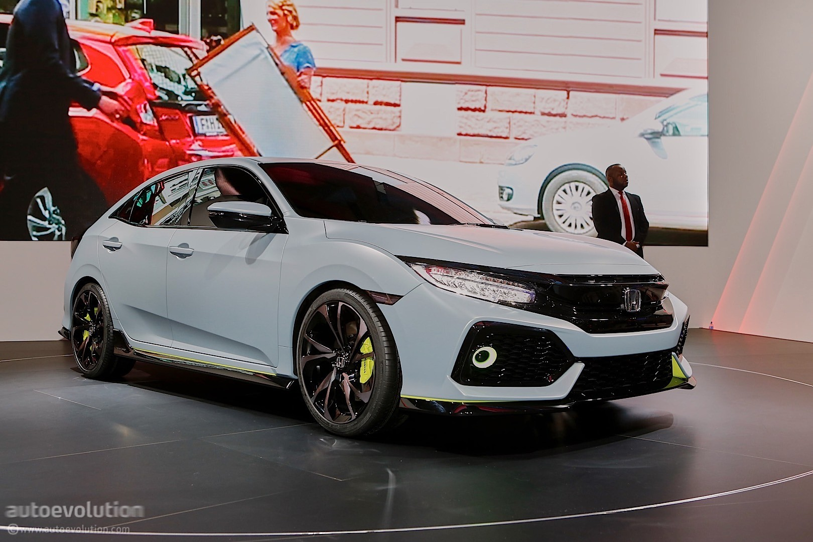 2016 Honda Civic Hatchback Prototype Live In Geneva