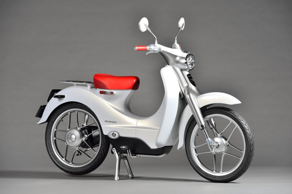 honda confirms new electric scooter for 2018 autoevolution. Black Bedroom Furniture Sets. Home Design Ideas