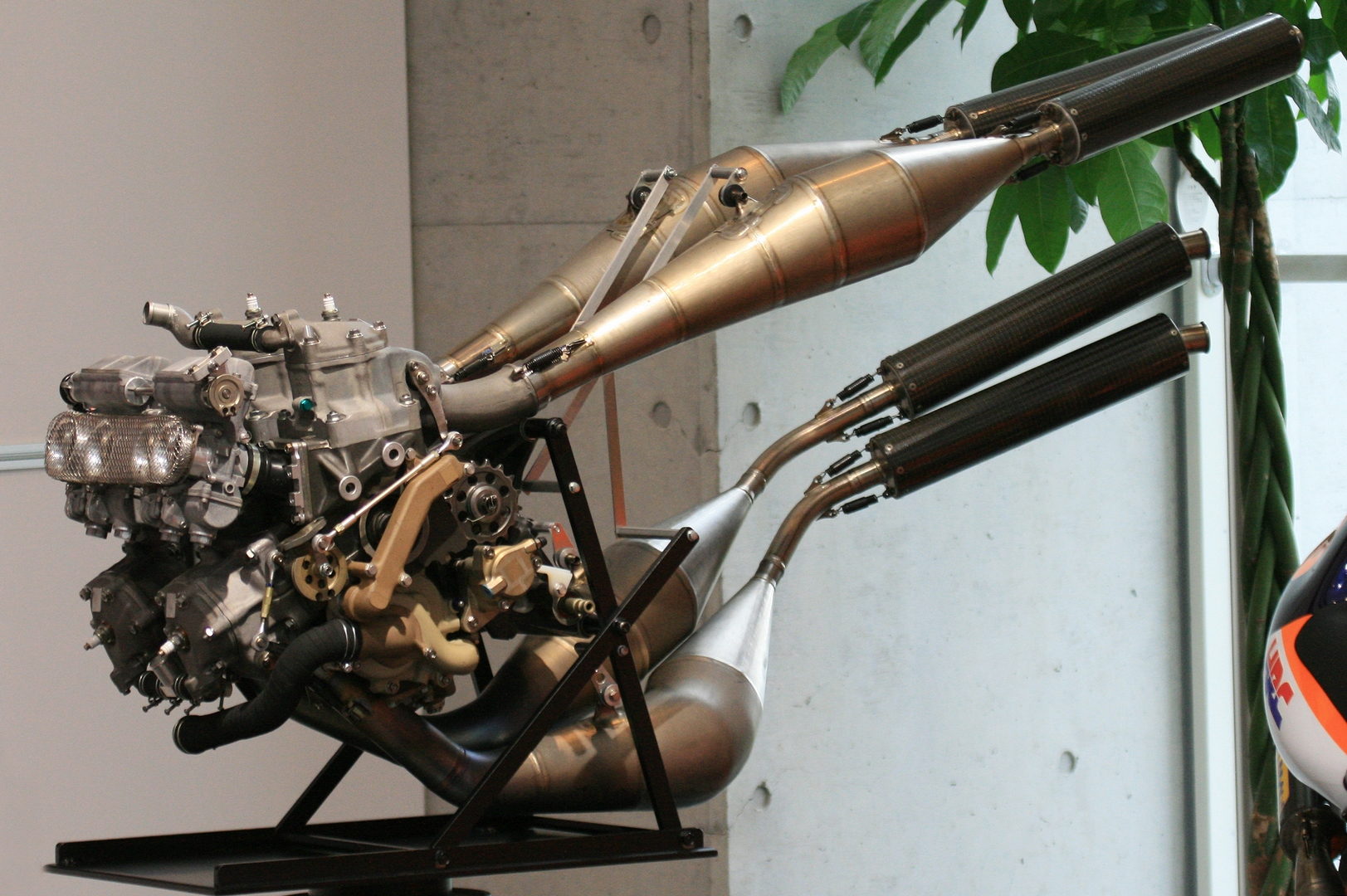 Honda Rumored to Work on a New Two-Stroke Engine, But... - autoevolution