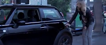 How a Blonde Fills Up a Car [Video]