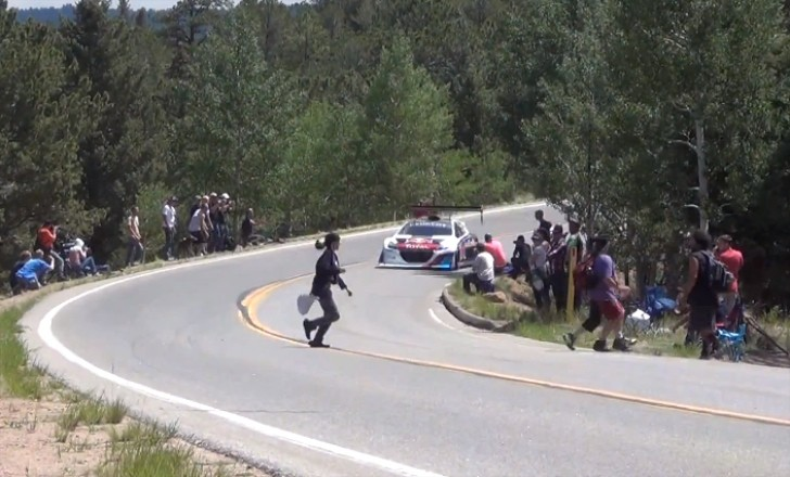 How Not to Cross the Pikes Peak Course [Video]