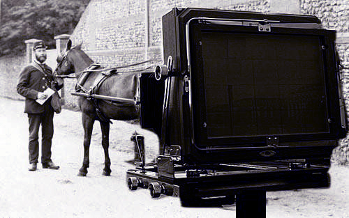 First Camera Invented - about camera