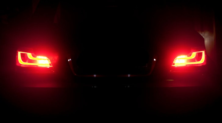 How to Activate the Rear Fog Lights on Your BMW E8x 1 Series