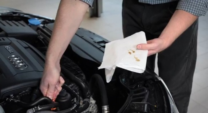 How to Check your Oil, by Audi [Video]