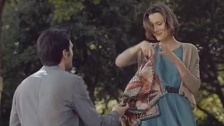 "... Up Women Like a Gentleman: Range Rover Evoque ""Scent"" Ad - Video"