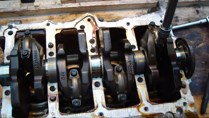 how to remove crankshaft on toyota vvti engine