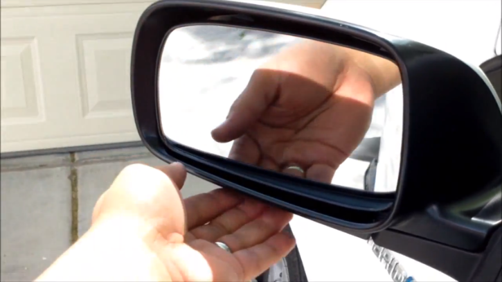 Where To Get Car Mirror Fixed
