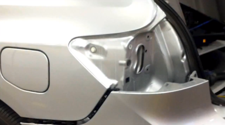 How to Replace Taillight on 2009 Toyota Venza [Video]