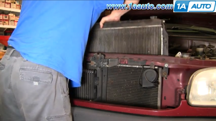 How To Replace The Radiator On Toyota Tundra Video
