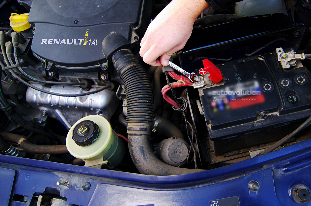 Installing Car Battery Positive Or Negative First