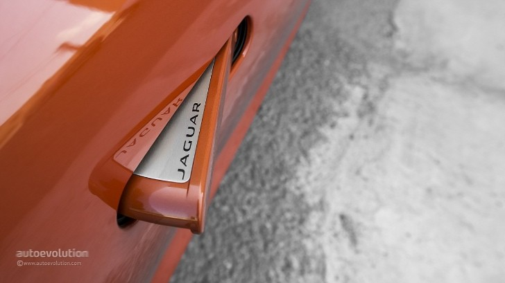 How to Use Deployable Door Handles on Jaguar F-Type [Video]
