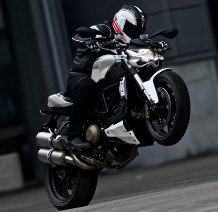 How to Wheelie on a Motorcycle - autoevolution