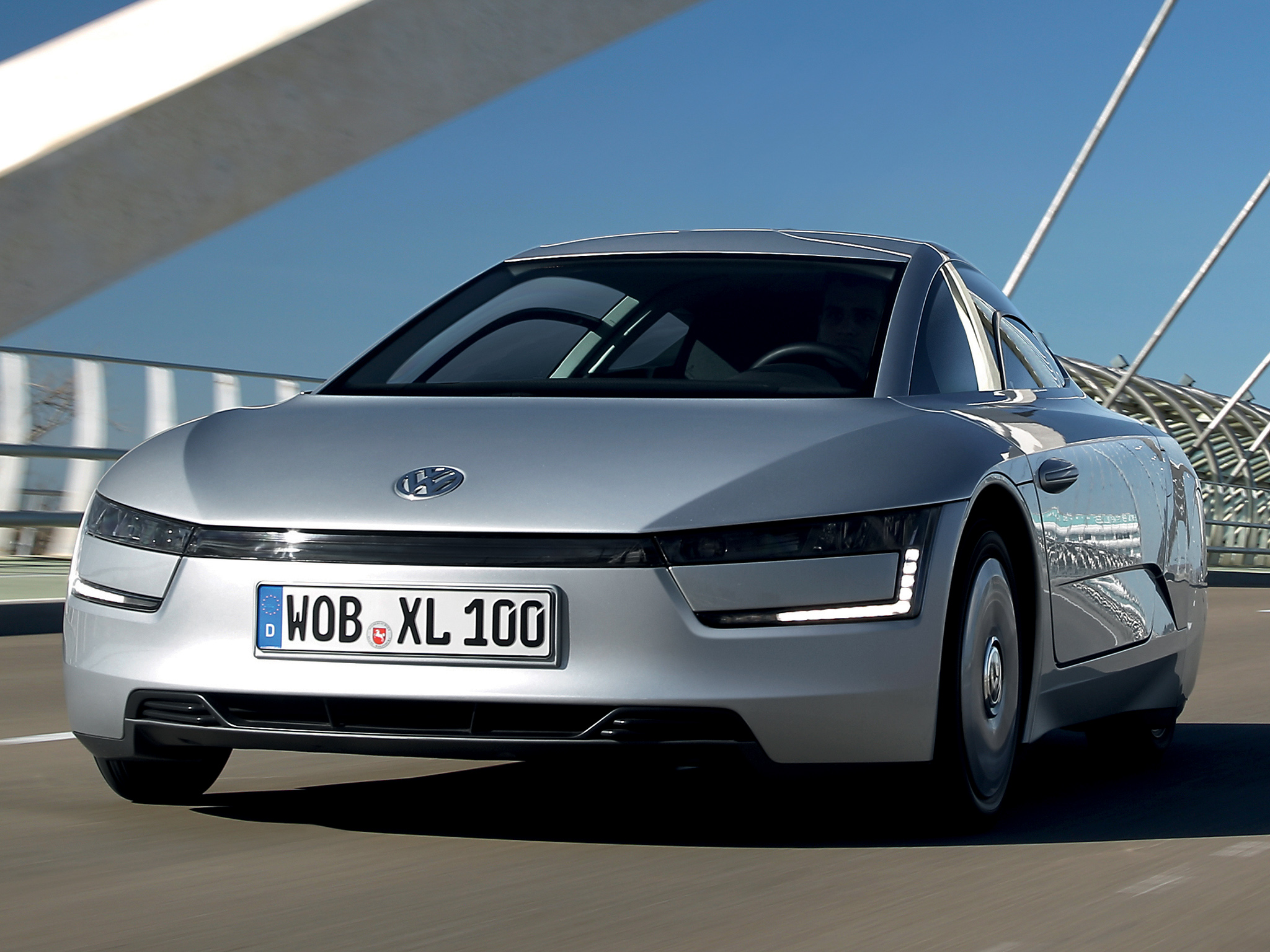 Volkswagen Xl1 Mpg. 2013 Volkswagen XL1: The Whole Story Of A Real World 261 . Orders For 261 ...