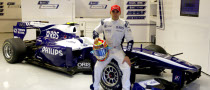 Hugo Chavez Confirms Support for Pastor Maldonado