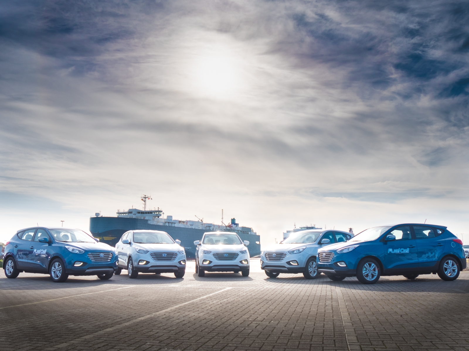 hyundai delivers largest ever fleet of fuel cell vehicles to europe autoevolution. Black Bedroom Furniture Sets. Home Design Ideas