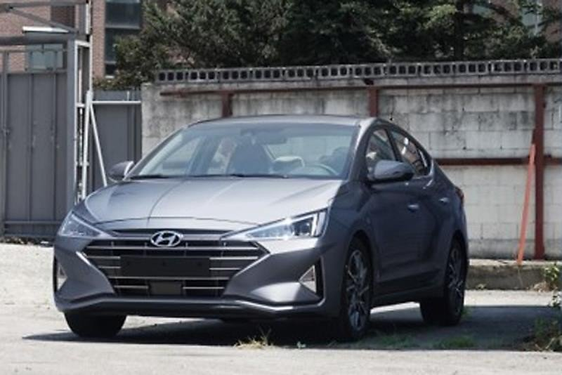 Hyundai Elantra Facelift Unofficially Revealed In Korea Looks Like A New Car