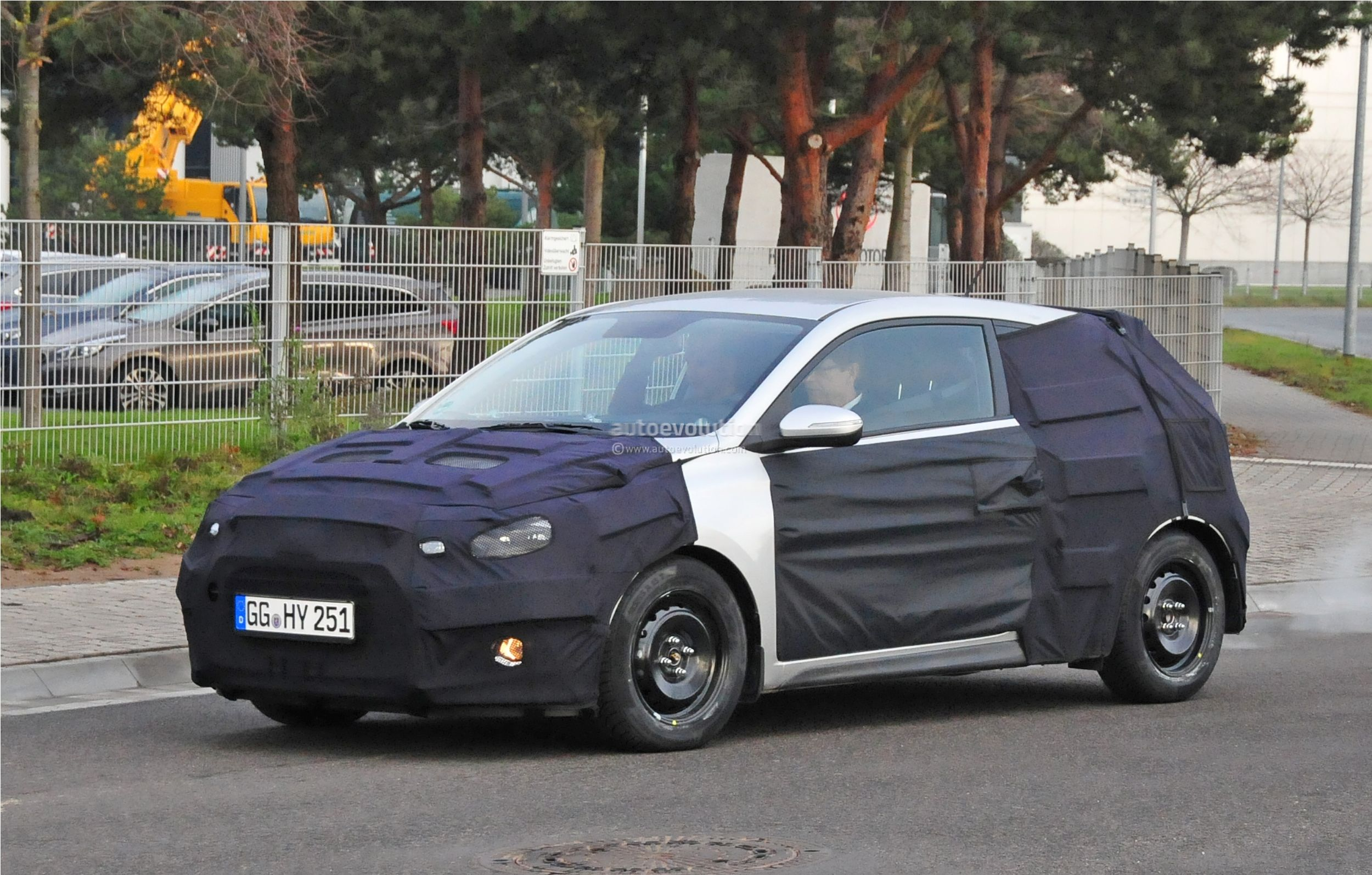 hyundai i20 coupe spied in germany autoevolution. Black Bedroom Furniture Sets. Home Design Ideas