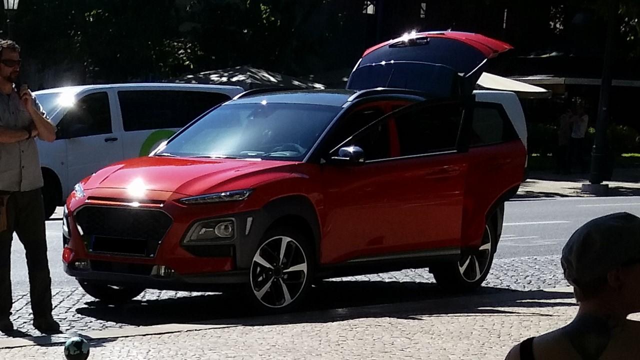 Hyundai kona caught sans camo on the streets of lisbon autoevolution