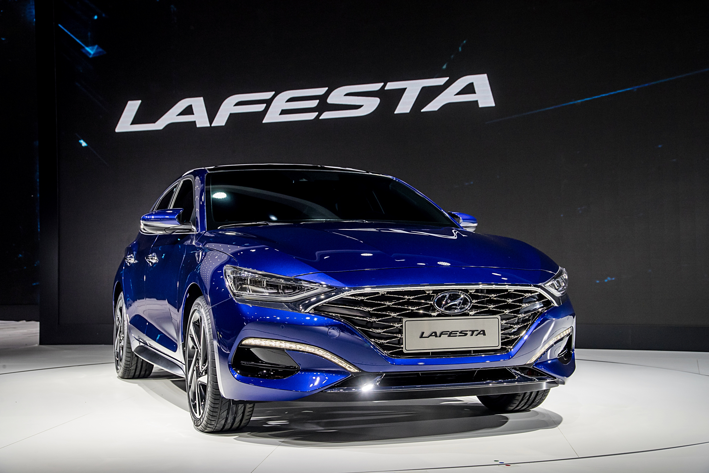 Hyundai Lafesta sports sedan revealed at Auto China 2018